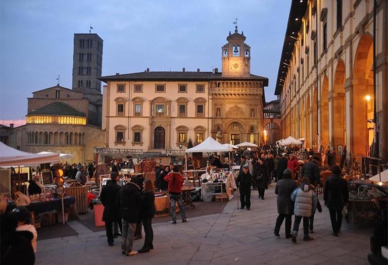 Eventi arezzo eventi ristorante hotel arezzo hotel for Arezzo antiquariato